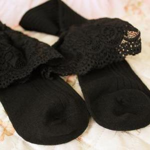 Vintage stripe lace knee-high black..